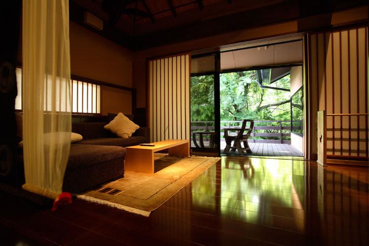 お酒と景色に酔いしれる とっておきのオープンテラスがある熊本の贅沢宿